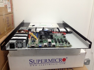Custom built tray server based on Quanta motherboard and PSU